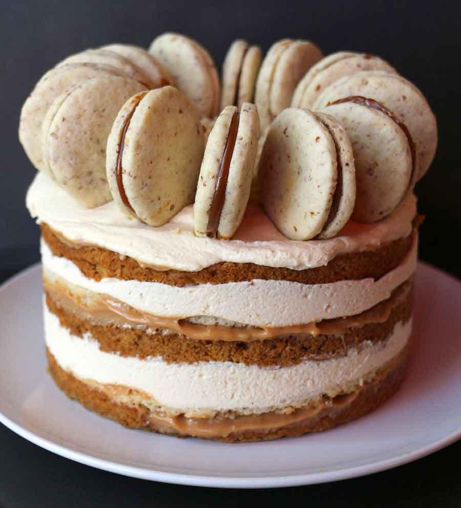 עוגת שכבות בטטה, אלפחורס עם פקאן קלוי, קרם שוקולד לבן וריבת חלב