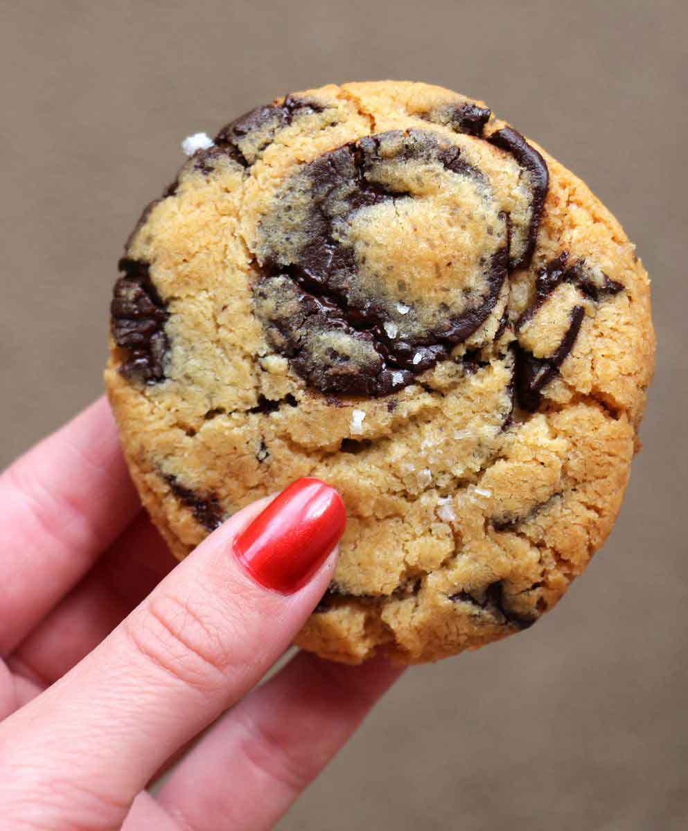 עוגיות שוקולד צ'יפ על בסיס חלמונים